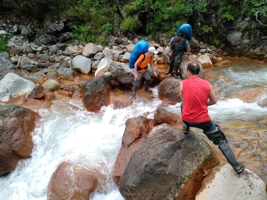переправа через реку на острове Итуруп